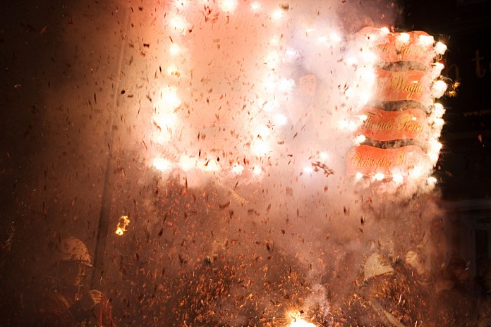 SC refuses firecracker ban, frowns on Centre's inaction
